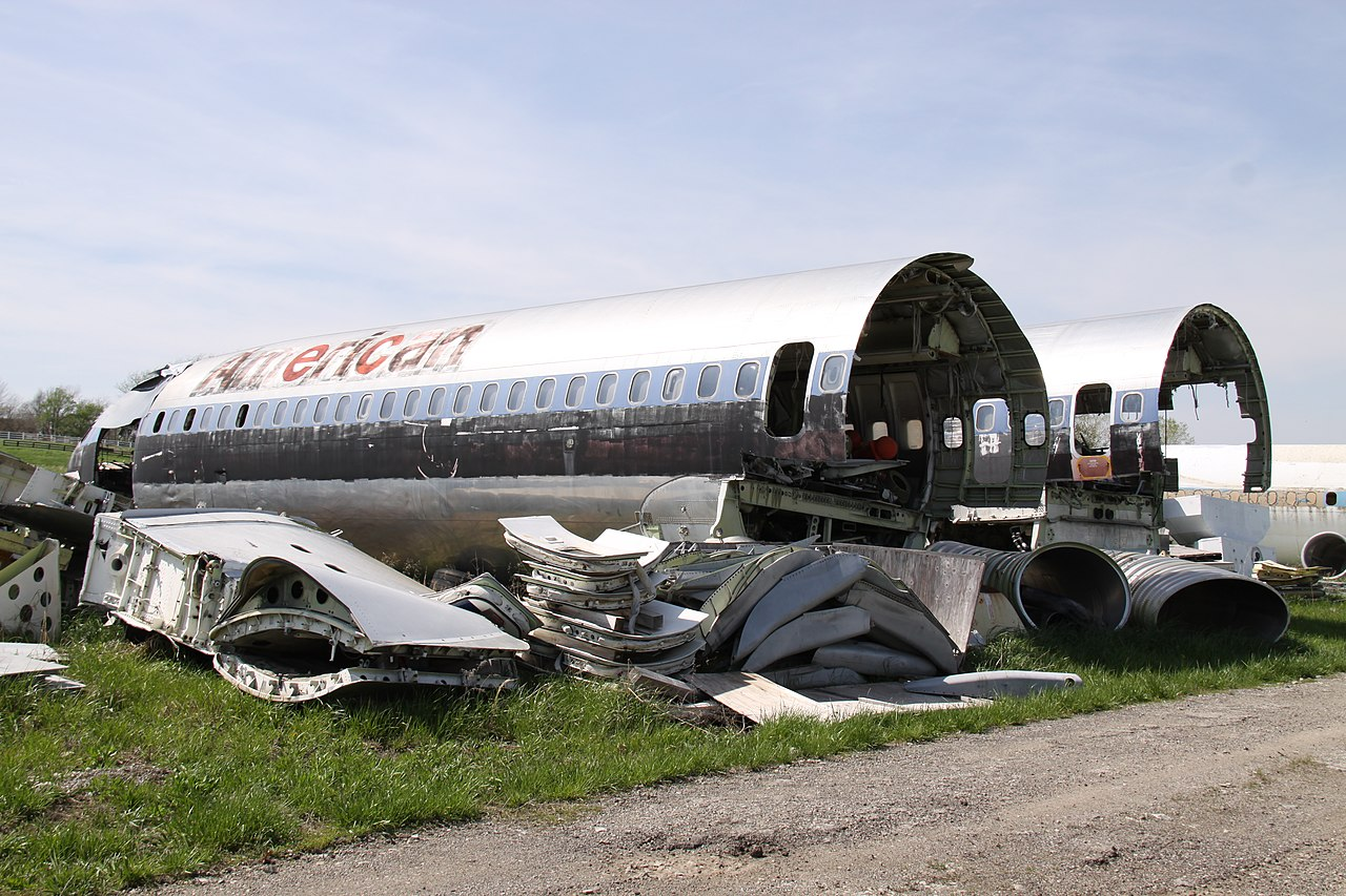 Naam: 1280px-N845AA_Boeing_727_American_(9140556517).jpg Bekeken: 659 Grootte: 283,4 KB