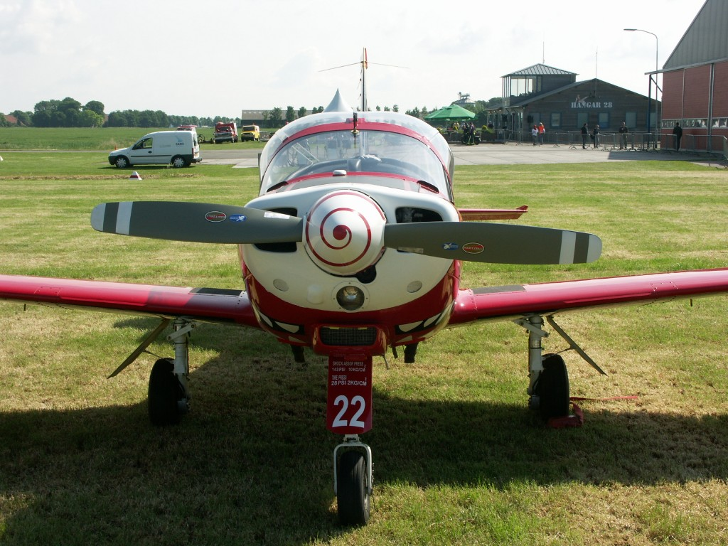 Naam: SIAI-Marchetti SF.260M ST-22 (1).jpg Bekeken: 389 Grootte: 224,6 KB