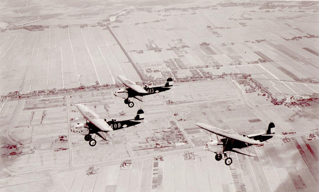 Naam: Foto 136. Drietal Fokker C.VI. 1100 breed.jpg Bekeken: 317 Grootte: 90,0 KB