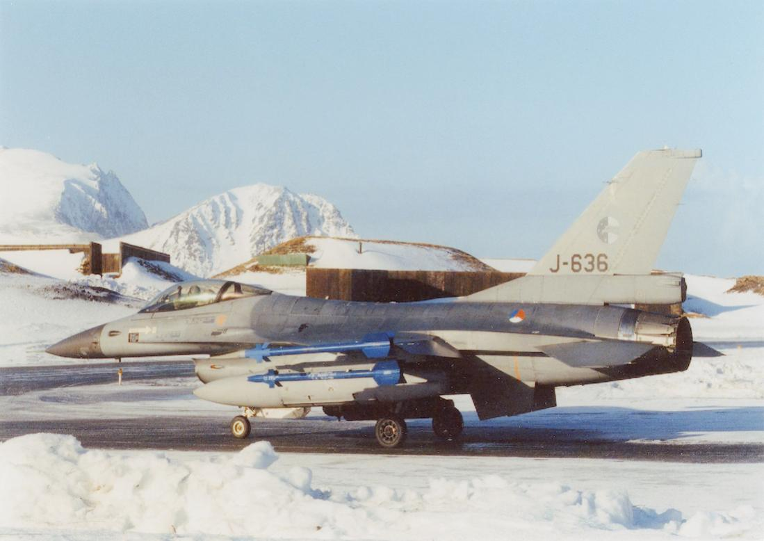 Naam: Foto 267. J-636. General Dynamics F-16A. 1100 breed.jpg Bekeken: 272 Grootte: 73,8 KB
