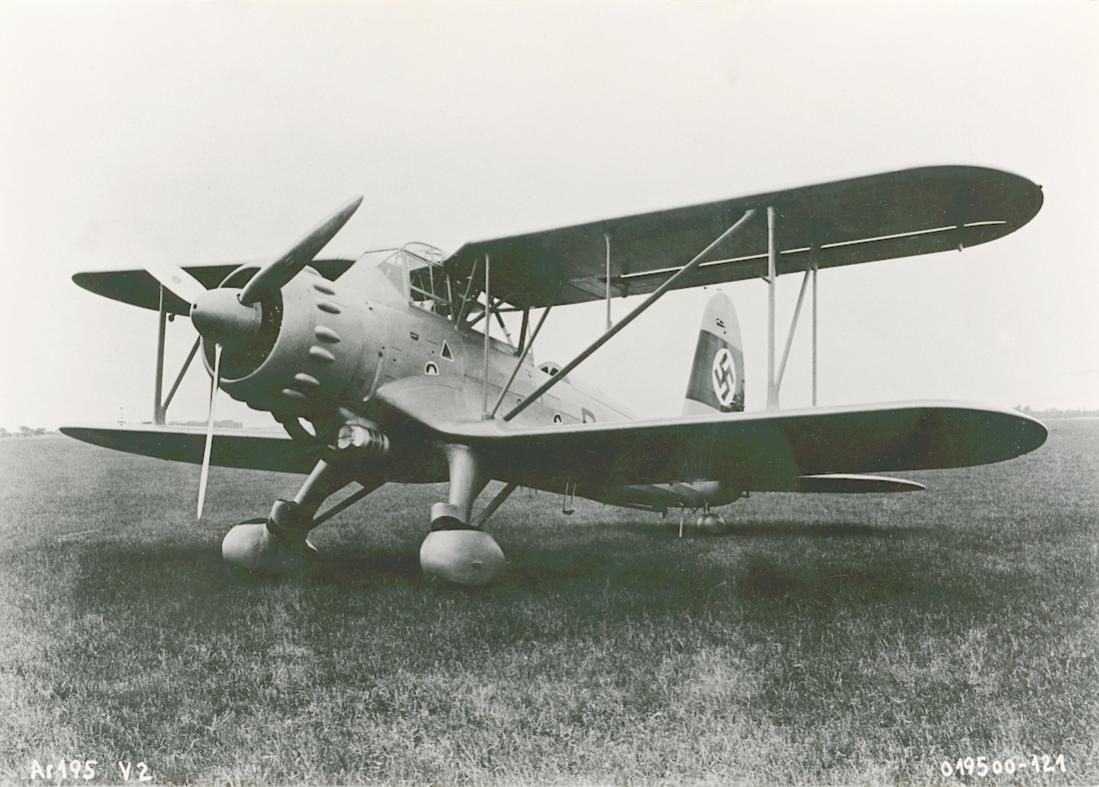 Naam: Foto 582. Arado Ar 195 V2. 1100 breed.jpg Bekeken: 163 Grootte: 108,1 KB