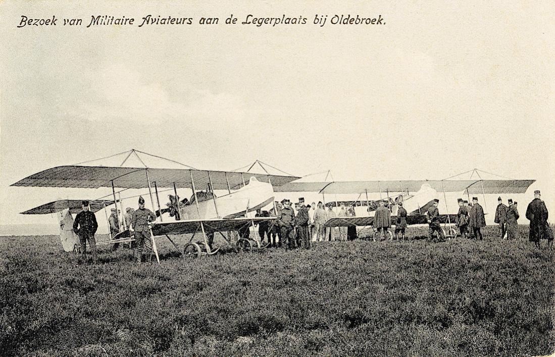 Naam: Kaart 854. Bezoek van Militaire Aviateurs aan de Legerplaats bij Oldebroek. 1100 breed.jpg Bekeken: 62 Grootte: 199,9 KB