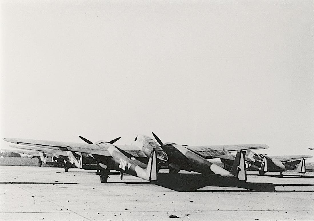Naam: Foto 140. 318. Fokker G.I. 1100 breed.jpg Bekeken: 108 Grootte: 79,9 KB