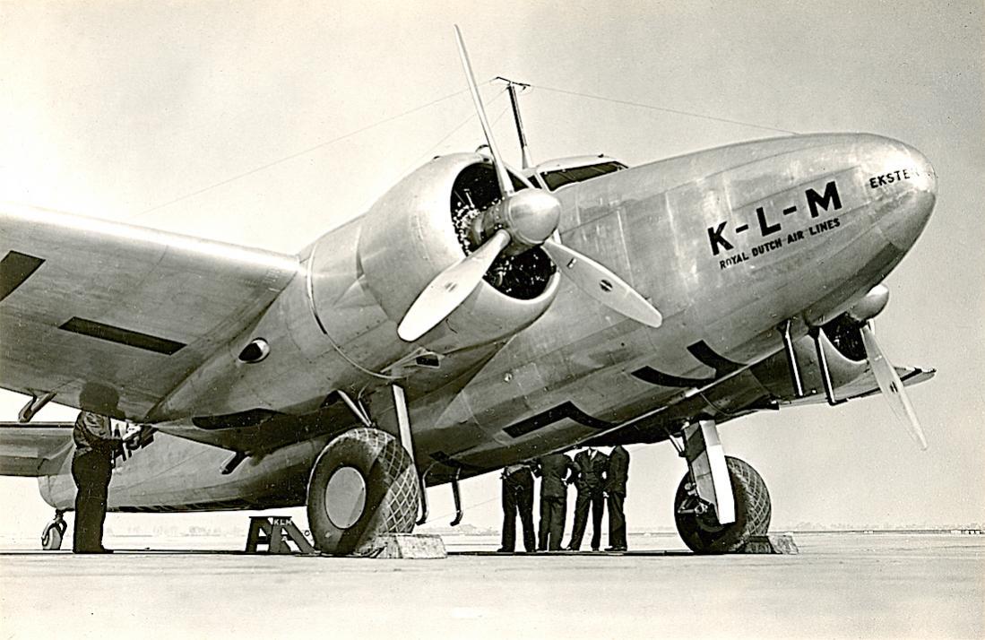 Naam: Foto 371. PH-APE 'Ekster'. Lockheed-14 Super Electra. 1100 breed.jpg Bekeken: 144 Grootte: 116,9 KB