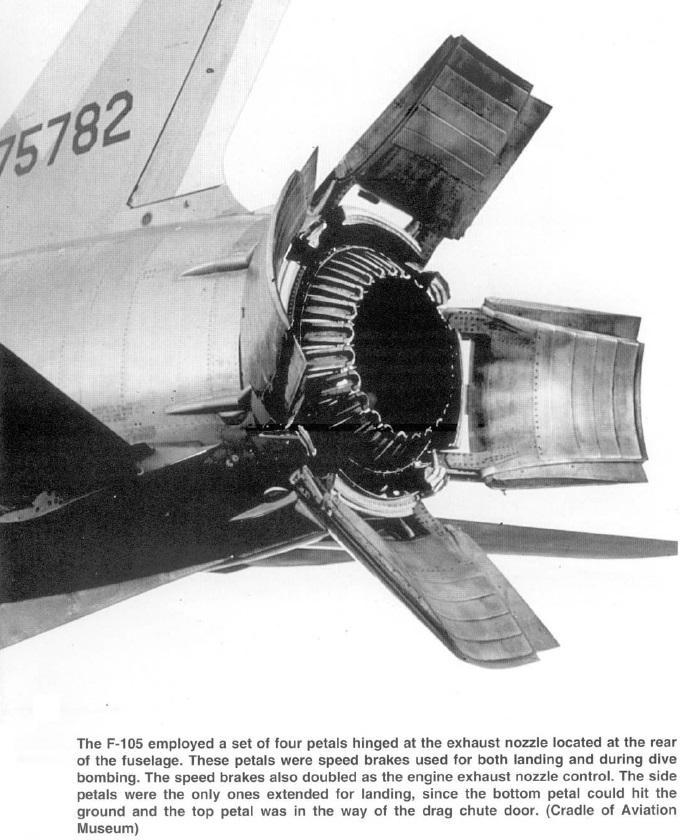 Naam: F-105  with 4 petals at exhaust nozzle.jpg Bekeken: 15 Grootte: 166,8 KB