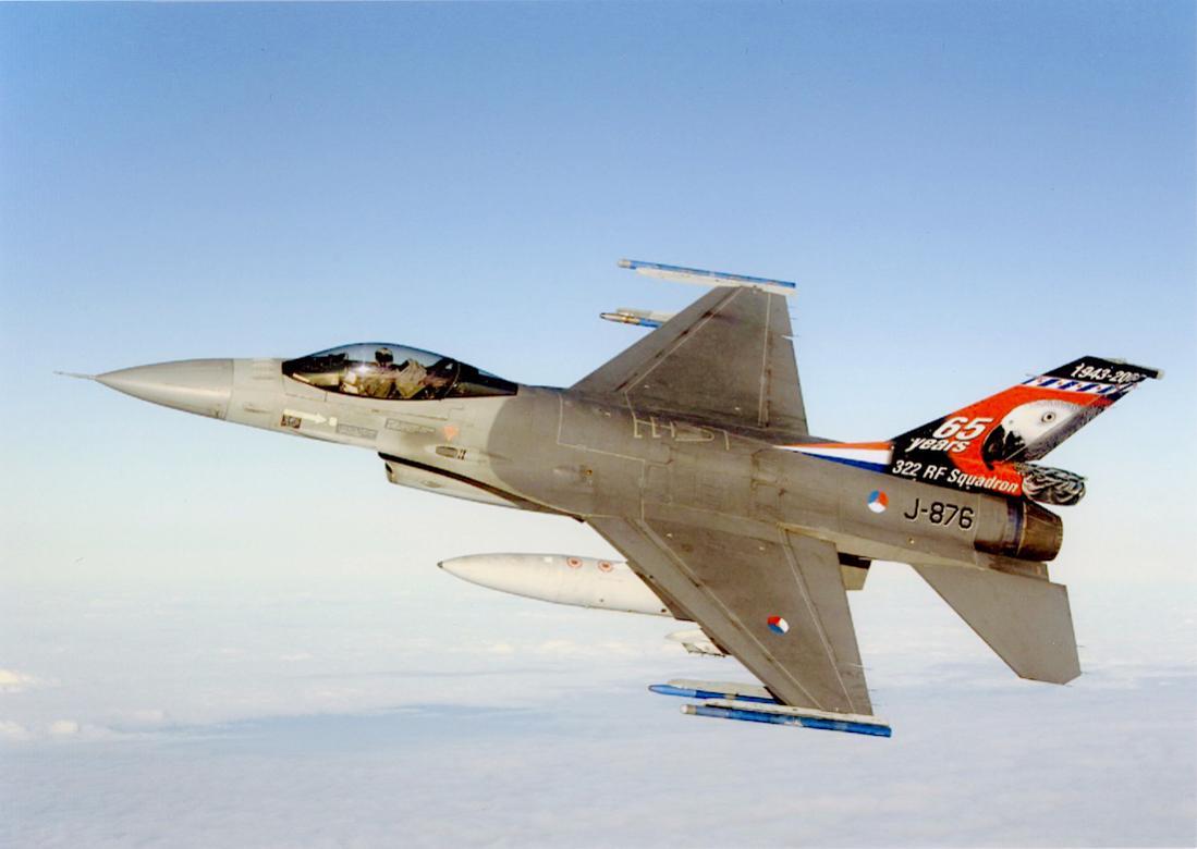 Naam: Foto 176. 'J-876'. General Dynamics F-16AM. 1100 breed.jpg Bekeken: 568 Grootte: 56,8 KB