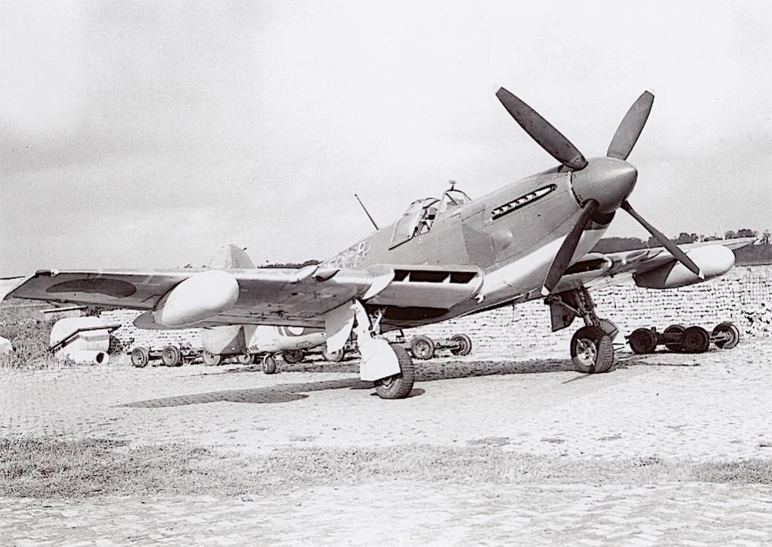 Naam: #301. Fairey Firefly. 1100 breed.jpg Bekeken: 158 Grootte: 133,0 KB