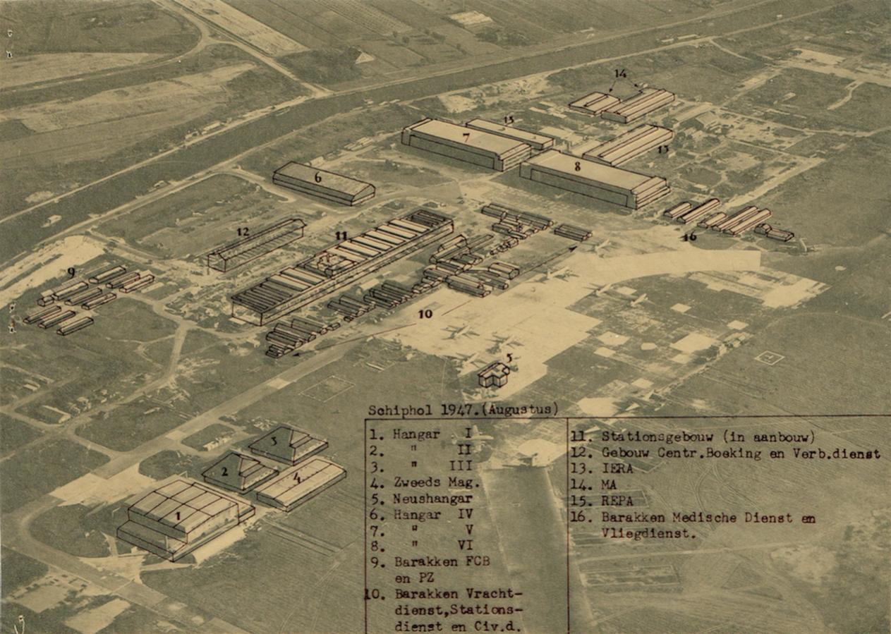 Naam: Afb. 1. Luchtfoto Schiphol augustus 1947 met overlay kopie.jpg Bekeken: 669 Grootte: 184,0 KB