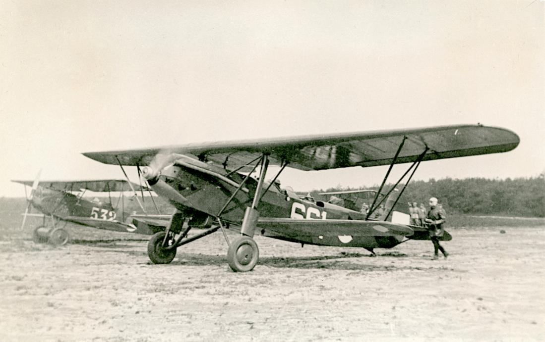 Naam: Foto 121. Fokker C.IX ('661') en Fokker C.I. ('532'). 1100 breed.jpg Bekeken: 250 Grootte: 84,5 KB