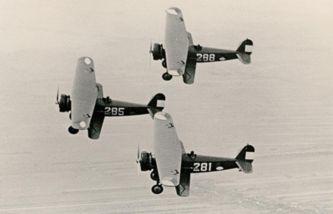 Naam: Foto 122. Fokker D-XVI formatie. 1100 breed.jpg Bekeken: 135 Grootte: 71,1 KB