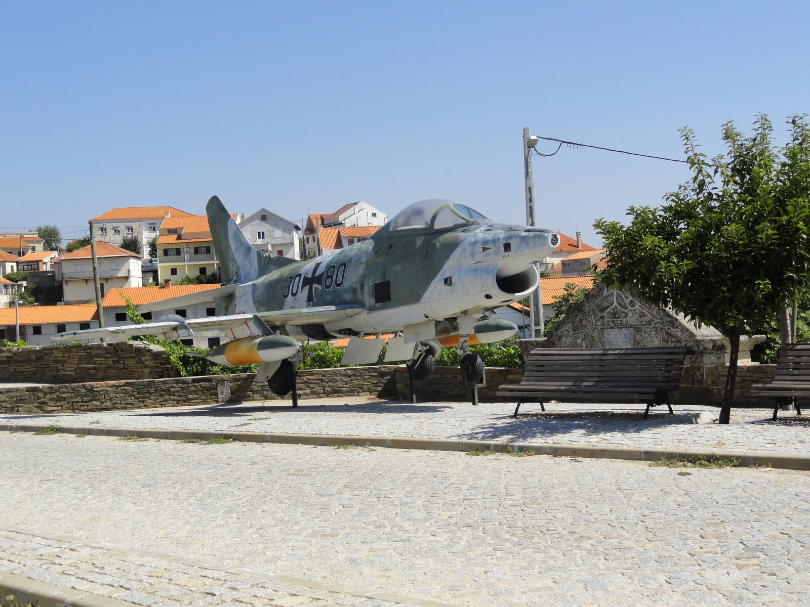 Naam: Fiat G.91 - Horta do Douro, Portugal..JPG Bekeken: 136 Grootte: 312,2 KB