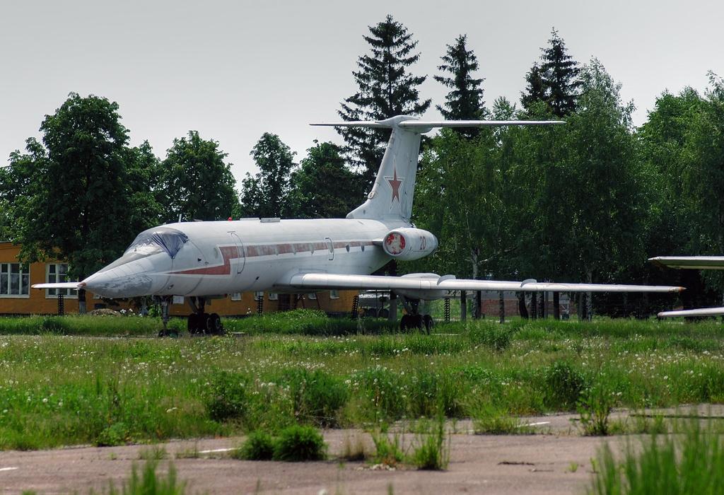 Naam: Tupolev Tu-134UB-L , vliegbasis Tambov..jpg Bekeken: 102 Grootte: 460,3 KB