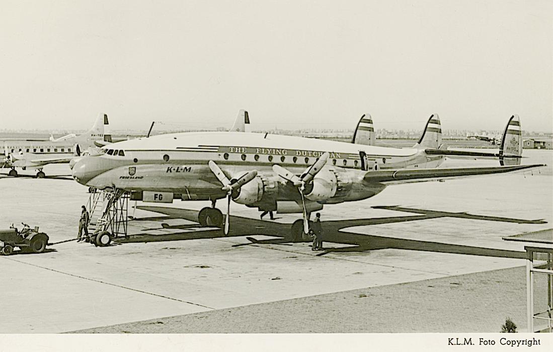 Naam: Kaart 745. PH-TFG (later PH-LDG) 'Friesland'. Lockheed Constellation L-749. Verkocht als CX-BBN..jpg Bekeken: 157 Grootte: 91,4 KB