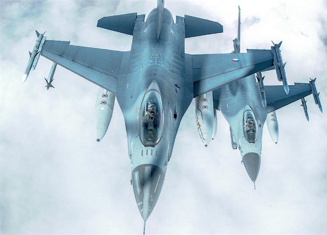 Naam: Foto 170. General Dynamics F-16A, 2x.jpeg Bekeken: 111 Grootte: 295,8 KB